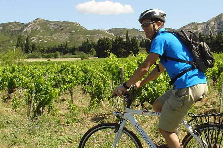 What is a self-guided cycling holiday in Provence?