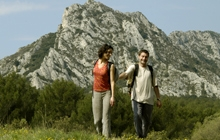 walking in provence in alpilles mountains