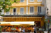 cafe van gogh wine drinking arles saint remy